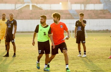 #TFGinterview: Happy to be back in Indian football through I-League; will fight till the last minute, says Mumbai FC coach Oscar Bruzon