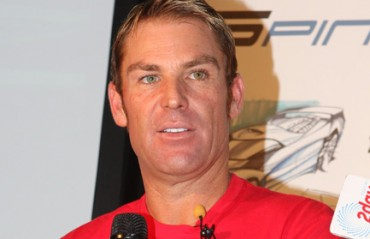 Warne bats for Dhoni, says he doesn't have to prove anything to anyone