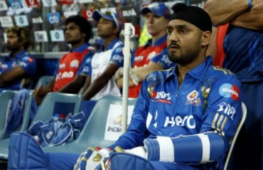 Harbhajan Singh slams Jet Airways pilot for racial discrimination and physical assualt