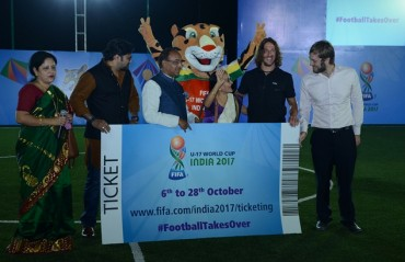 Carles Puyol hands over first ticket of FIFA U-17 World Cup India 2017