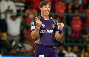 It's #HoggyTime! Brad video signs for Big Bash 5; worth a watch!