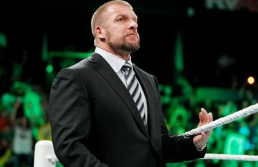 Triple H invites Conor McGregor and Floyd Mayweather to WWE
