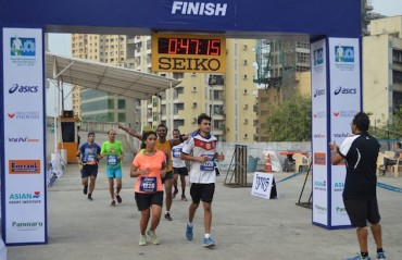 750 runners participate in the city's inaugural Mall Run