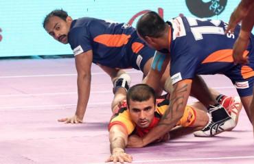 Bengaluru Bulls open its account with a comfortable win over Bengal Warriors