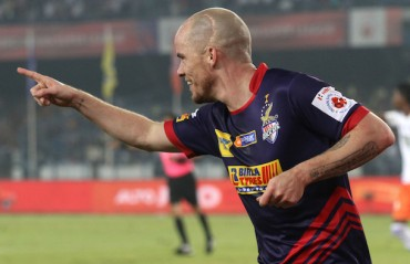 Half Time Report: ATK get lucky as offside goal puts them ahead of Pune