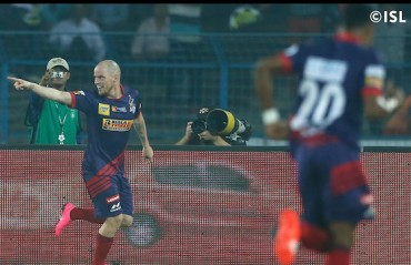 Hume hammers Pune; with 2nd hat-trick ensures ATK a 4-1 win and semi-final spot