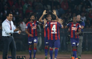 Major blow to Highlanders' playoff dreams as Delhi put late winner past unwatchful defence