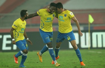 Half Time Report: No-holds-barred goalfest see Delhi & Kerala in a back-and-forth contest