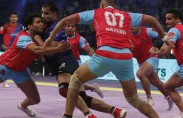 Dabang Delhi outplay defending champions Jaipur Pink Panthers