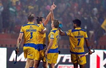 Punjab Warriors beat Mumbai 3-1 to go top in HIL