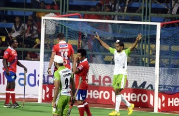Mumbai beaten 3-4 by Delhi, suffer third straight loss in HIL