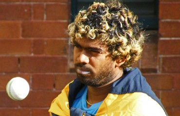 Sachin hails Malinga above all the bowlers says, No one comes even 50% closer