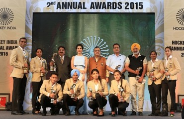 P.R Sreejesh and Deepika win the Hockey India Player of the Year Awards for 2015
