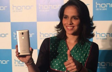 E-smartphone Honor ropes in Saina Nehwal as their brand ambassador