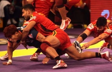 THRILLER: last minute charge helps Bengaluru Bulls grind out 1 point win over Bengal Warriors