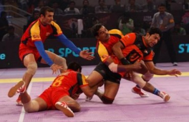 U Mumba Beat Bengaluru Bulls to reclaim top spot