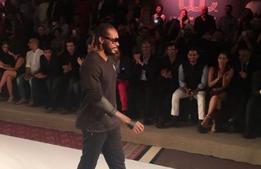 WATCH: 'Universe Boss' Chris Gayle walks the ramp at Yuvraj Singh's fashion label launch