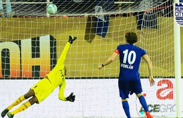 Play-By-Play: Mumbai City v NorthEast United-- Forlan's penalty enough to ensure an auspicious homecoming