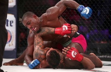 Bellator 163 Results: Phil Davis becomes the new Light Heavyweight champion