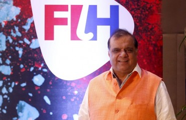 Hockey India President Dr. Batra returns home to a warm welcome after becoming the FIH Chief