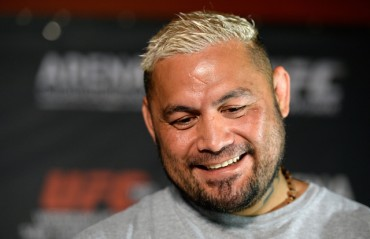 Mark Hunt files civil suit against UFC, Dana White and Brock Lesnar