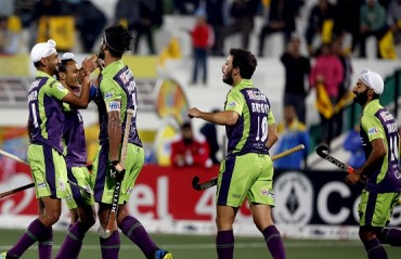 Delhi Waveriders push defending champions to bottom of the points table
