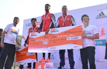 Gopi T and Monika Athare win the IDBI  New Delhi Marathon 2017