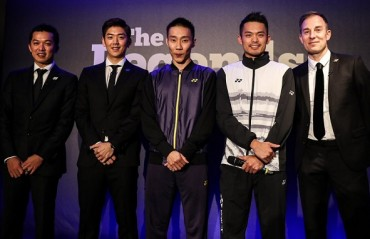 WATCH: Legends of badminton in one frame