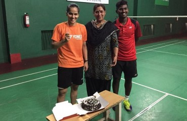 Saina celebrates her birthday with coach Vimal Kumar & mother; Twitterati send in their wishes