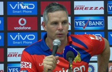Will be 'pretty dirty' if Kohli turns out for RCB's opening IPL 10 game: Brad Hodge
