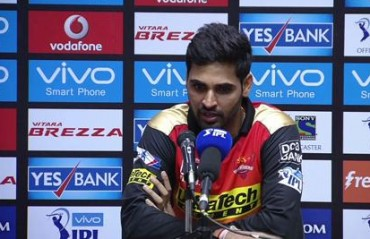 Dew factor made it difficult for us against MI, says Bhuvi