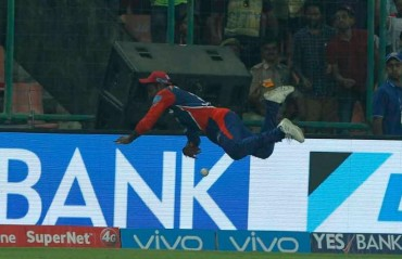WATCH: Flying Samson saves boundary following a spectacular effort near the rope