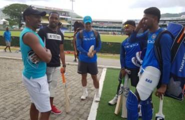 MATES FOREVER: Dwayne Bravo visits Dhoni, Pant & Hardik at the Queens Park Oval