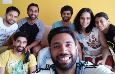 WATCH: Shuttlers spend time gaming at Arun & Arundhati's new home