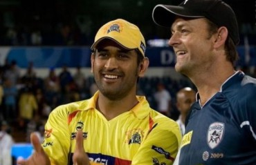 Gilchrist congratulates Dhoni on surpassing him on run-getters list