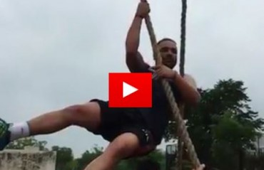 BIONIC ARMS: Watch Manjeet Chillar climb down a rope without breaking a sweat