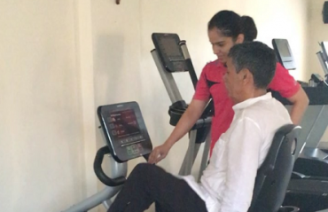 WATCH: Saina helps her dad stay fit