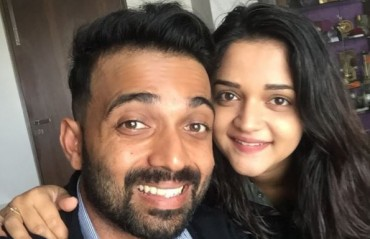 WATCH: Rahane posts picture with 'baiko' Radhika before flying off to Sri Lanka