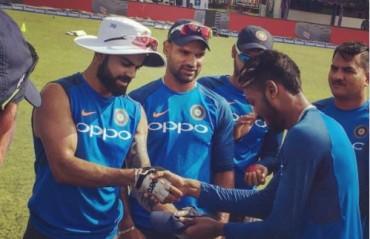 WATCH: Hardik Pandya receives his Test cap from Virat Kohli