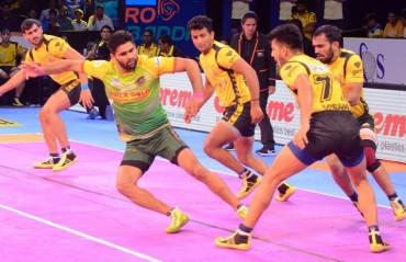 Pro Kabaddi: Pardeep Narwal-led Patna Pirates edge Telugu Titans 35-28
