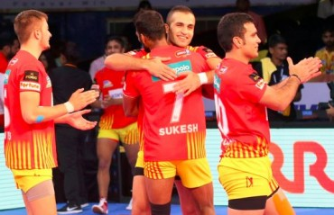 Pro Kabaddi: Gujarat FortuneGiants open their debut campaign on a high, beat Dabang Delhi 26-20