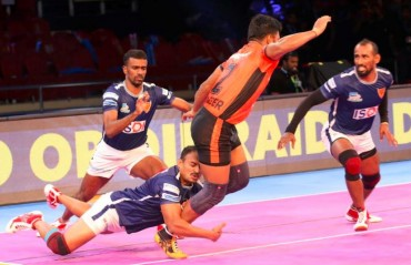 Pro Kabaddi: U Mumba beat Dabang Delhi 36-22, hand them third loss