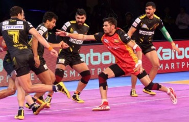 Pro Kabaddi: Telugu Titans stage a strong comeback to make Bengaluru Bulls share the spoils