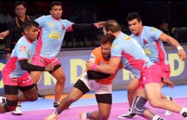 Pro Kabaddi: Puneri Paltans fight hard but Jaipur Pink Panthers seal the game 30-28