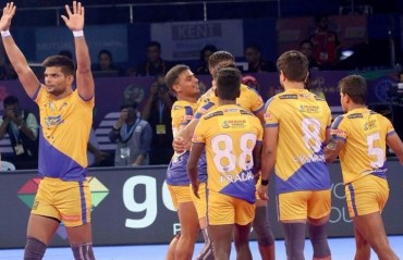 Pro Kabaddi: Tamil Thalaivas beat Bengaluru Bulls 29-24 to mark their first win