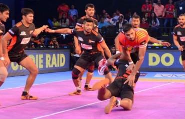 Pro Kabaddi: Gujarat FortuneGiants thrash U Mumba 39-21 in home opener