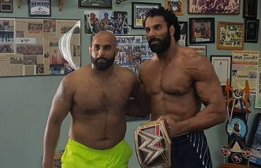 WWE champion Jinder Mahal to Accompany Arjan Bhullar at UFC 215