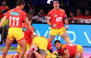 Pro Kabaddi: Gujarat win fifth match on the trot, drub Telugu Titans 29-19