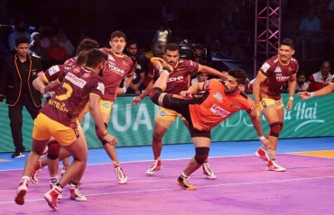Pro Kabaddi: U Mumba beat UP Yoddha 37-34 in Lucknow's opening game