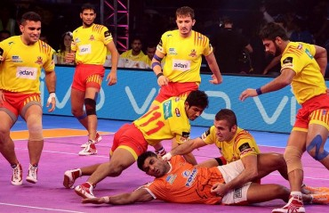 Pro Kabaddi: Gujarat comfortably beat Pune 35-21 to claim 6th win in last seven games